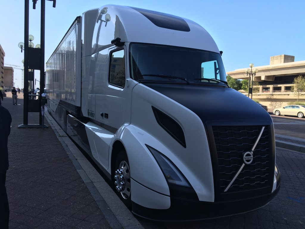 Volvo S Supertruck Testing Yields 13 Mpg Bigrigvin