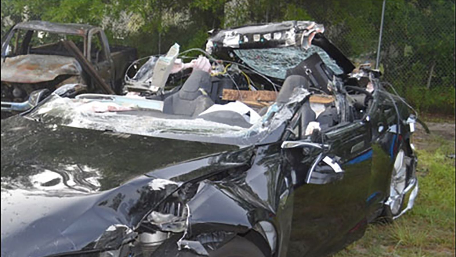 DOT Releases Report on Tesla Tractor-Trailer Accident