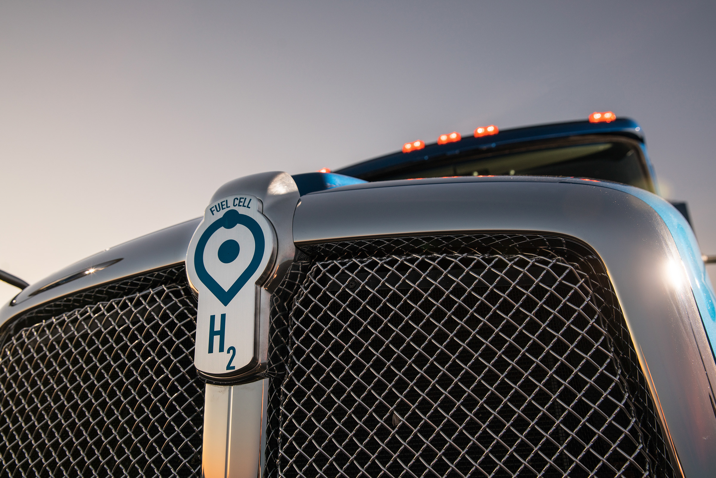 Toyota Reveals its Hydrogen Powered Class 8 Tractor